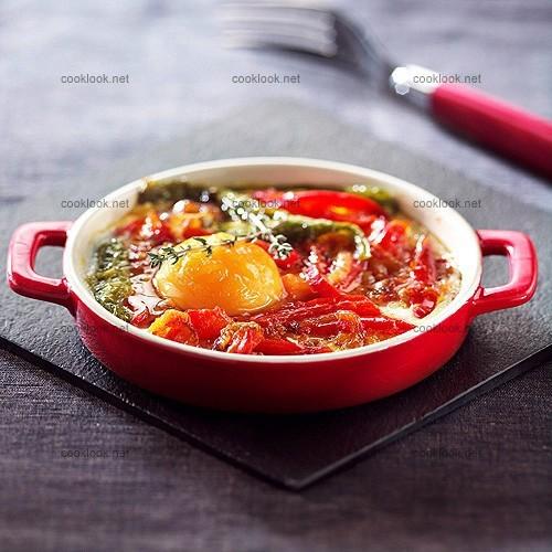 Gratinée d'œufs aux poivrons rouges
