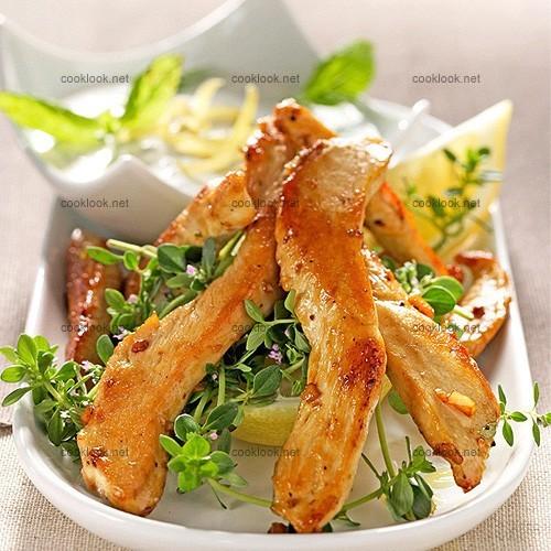 Aiguillettes de poulet au thym-citron et sauce à la menthe