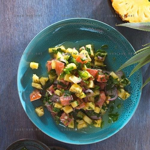 Salade de saumon et ananas pimenté