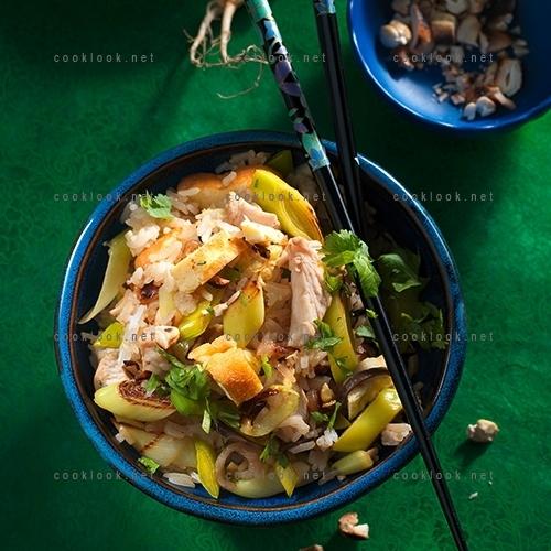 Riz au poulet à l'indonésienne (nasi goreng)