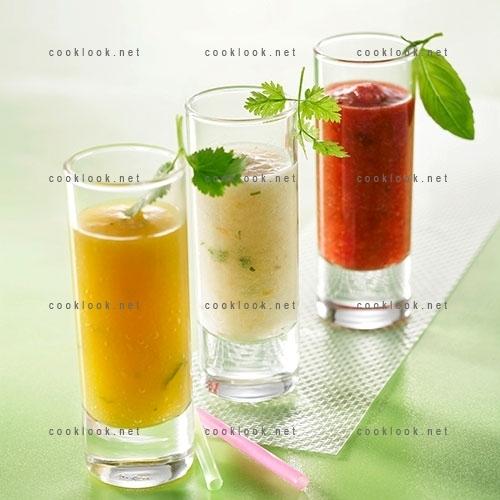 Soupes de 3 fruits aromatisés