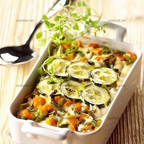 Dinde et petits légumes en gratin