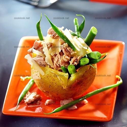 photo culinaire salade de thon en barquette de pomme de. Black Bedroom Furniture Sets. Home Design Ideas