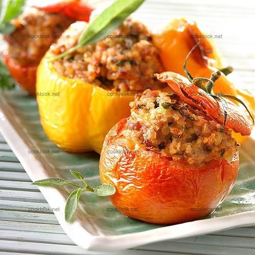 photo culinaire tomates et poivrons farcis au boulgour cooklook photo recette cuisine et. Black Bedroom Furniture Sets. Home Design Ideas