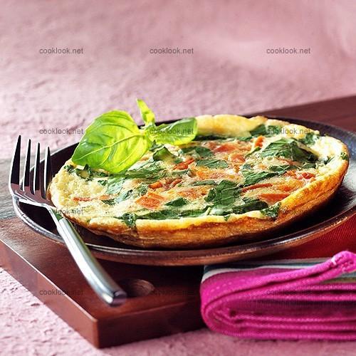 Omelette tomates et basilic
