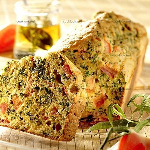 Cake à la tomate, aux herbes parfumées