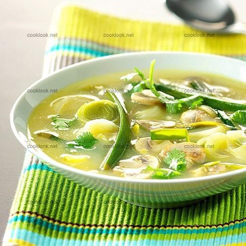 Soupe de poireaux et champignons au citron