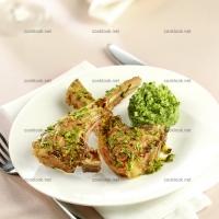 photo recette Côtes d'agneau en croûte d'herbes pistachées