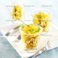 photo recette Verrine de poulet au curry et chutney de mangue