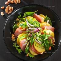 photo recette Salade de rougets poêlés, asperges et tulles de noisettes