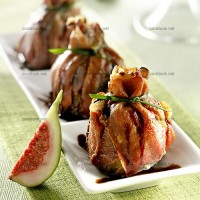 photo recette Figues au roquefort en aumônières de jambon