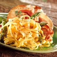 photo recette Tagliatelles aux pointes d'asperges et pancetta grillée