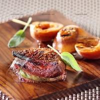 photo recette Canard grillé au parfum de sauge et brochettes d'abricots