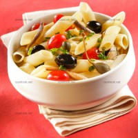 photo recette Salade de pennes aux tomates marinées