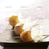 photo recette Mini brochettes de poires rôties aux copeaux de parmesan