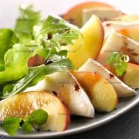 photo recette Salade verte, chèvre et nectarine