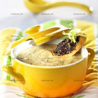 photo recette Velouté tiède d'asperges et toasts de tapenade