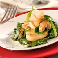 photo recette Salade de fruits de mer et jeunes pousses d'épinards