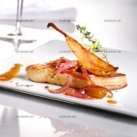 photo recette Escalope de foie gras, poires et oignons caramélisés